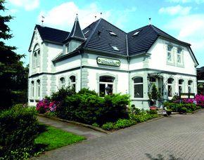 2x2 Übernachtungen inkl. Erlebnis - Hotel Restaurant Ulmenhof - Bredstedt Hotel Restaurant Ulmenhof - Cocktail, Nutzung Wellnessbereich
