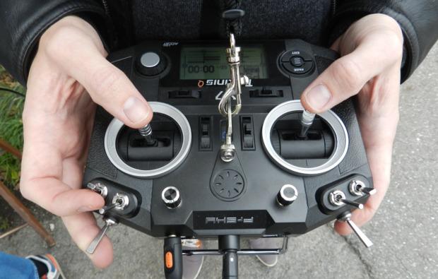 fpv-drone-racing-hamburg-fernsteuerung