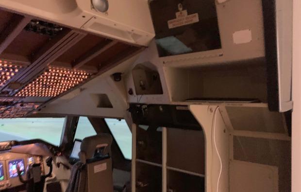 flugsimulator-3d-koeln-kabine