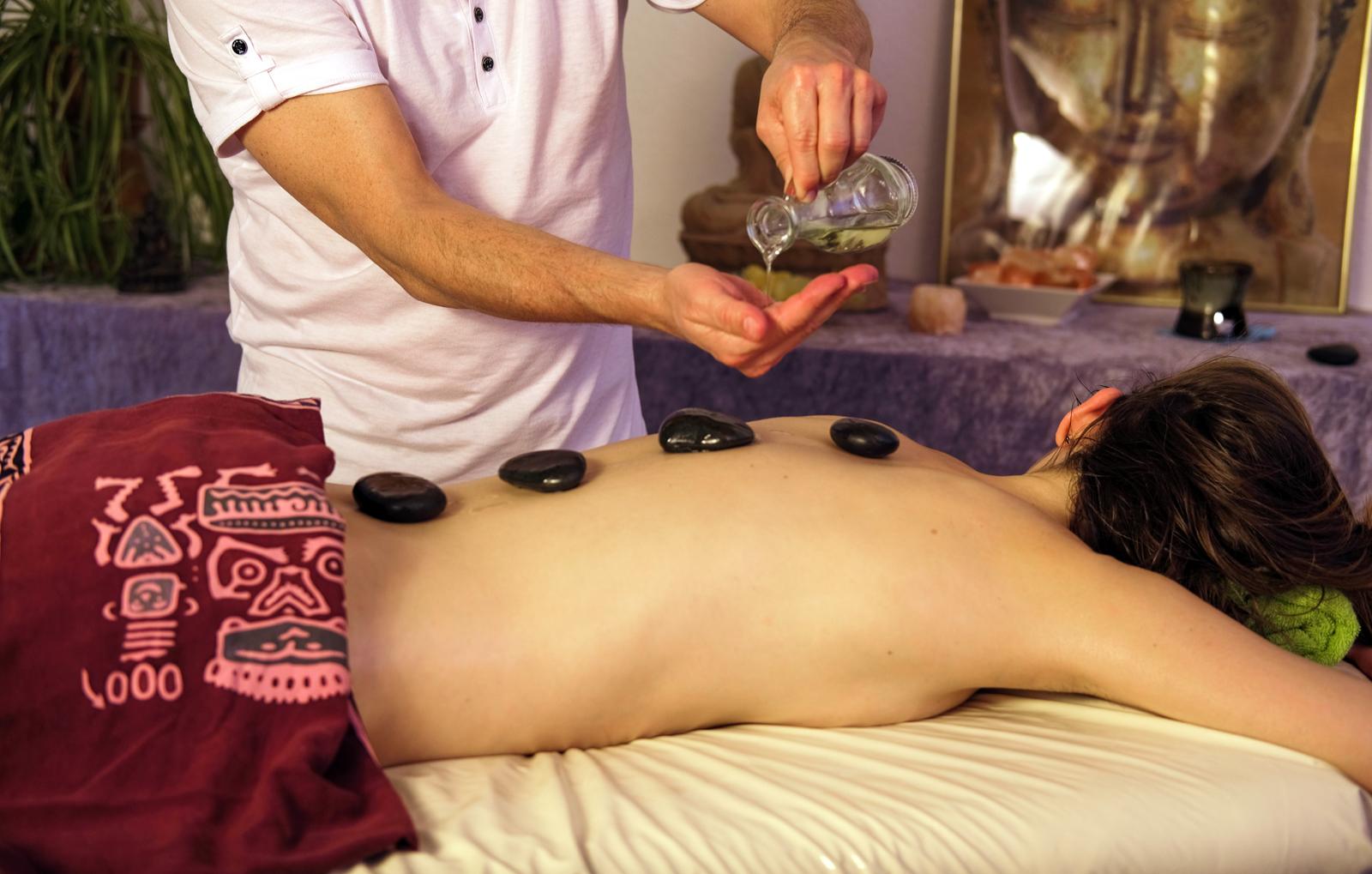 hot-stone-massage-eckental-bg1