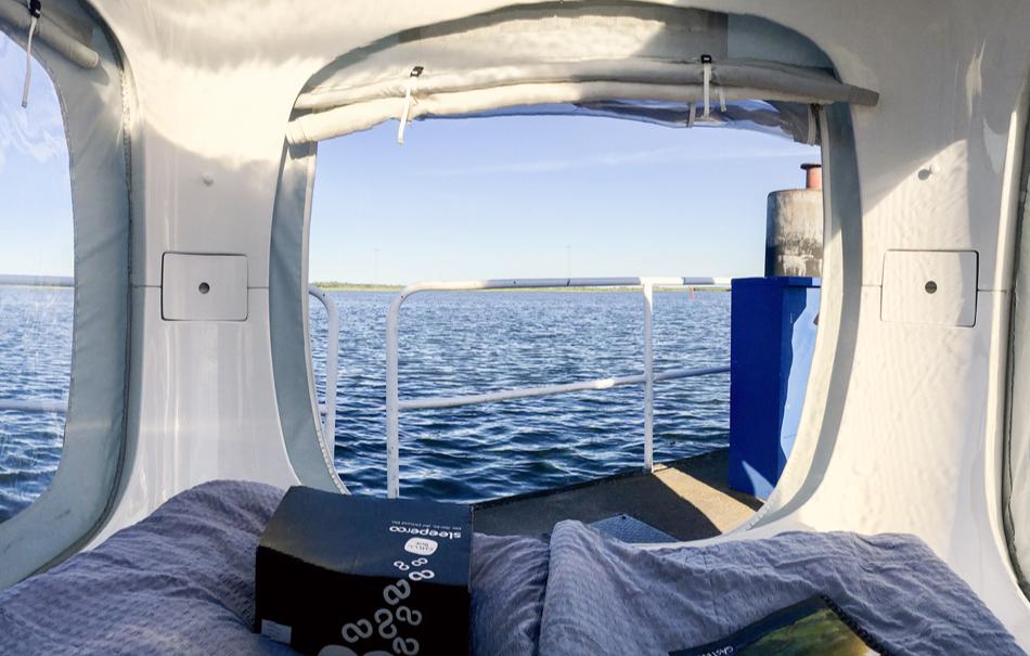 sleeperoo-cube-1-uen-preis-b-mo-do-uebernachten-zwischen-yachten-bg2