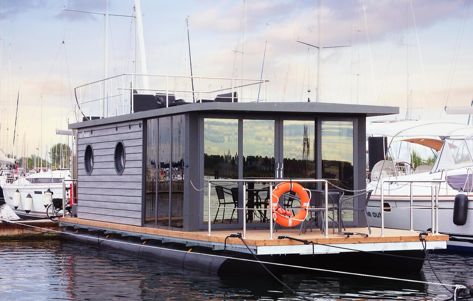 hausboot-uebernachtung-ohne-sauna-3-tage-2-uen-4-personen-bg1