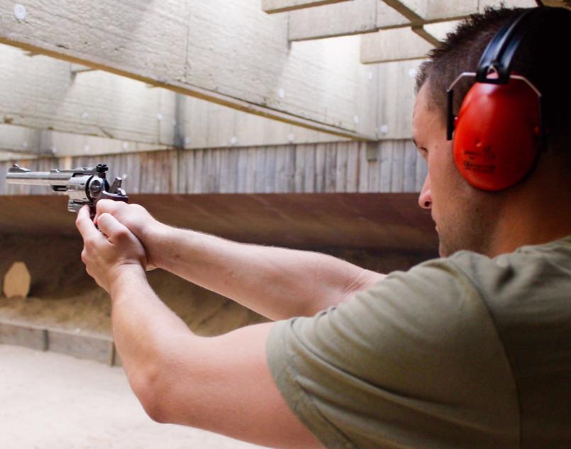 Sportschützentraining Pistole & Revolver Großkaliber mit Pistolen & Revolvern - 2 Stunden