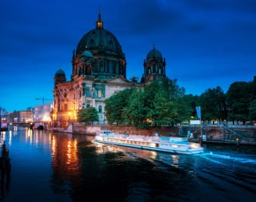 Berlin_Wellness+GYG Schiffsrundfahrt mit Dinner Wellness und Schiffsrundfahrt mit Dinner