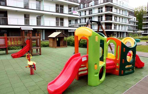 kurzurlaub-am-meer-miedzyzdroje-spielplatz