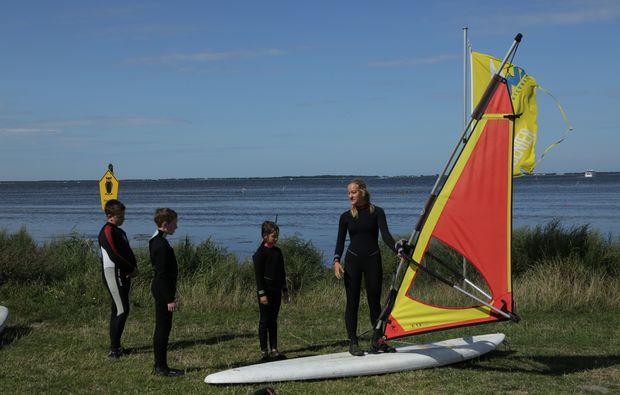 windsurf-schnupperkurs-schaprode-land