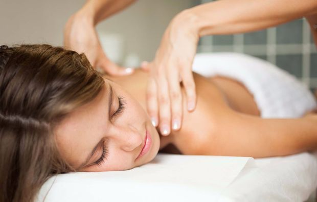ganzkoerpermassage-laatzen-masseur