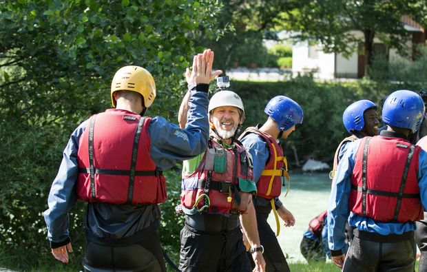 rafting-lofer-abklatschen