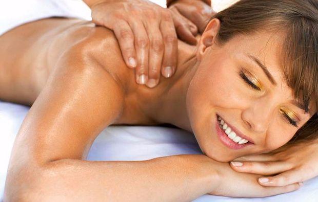 ganzkoerper-massage-muenchen-sovital-spa