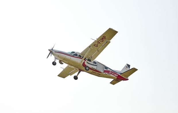 fallschirm-tandemsprung-fehrbellin-flugzeug