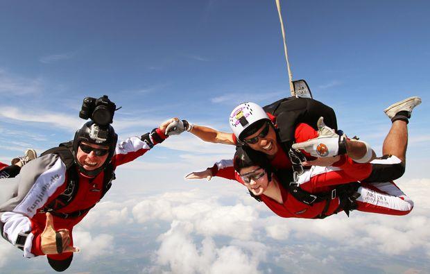 fehrbellin-flugzeug-fallschirm-tandemsprung
