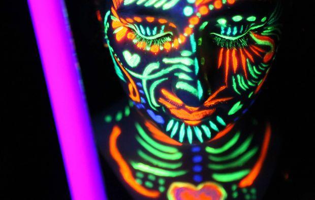 bodypainting-fotoshooting-dresden-neon