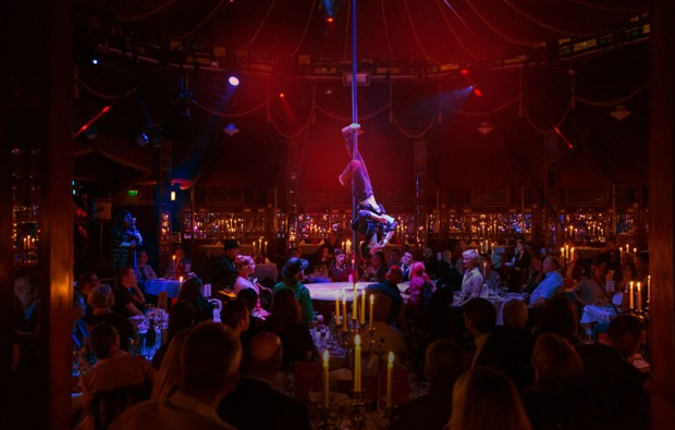 palazzo-dinner-show-in-berlin-dinnershow