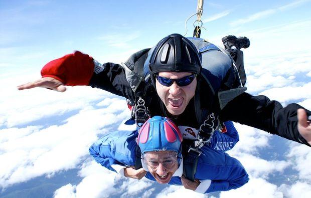 fallschirm-tandemsprung-kandel-freifall
