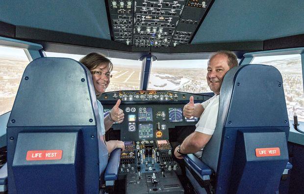 flug-simulator-freiburg-cockpit