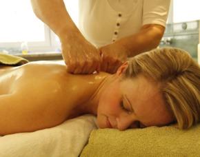 Rückenmassage und regenerierendesPeeling 1 Person Inkl. regenerierendes Peeling