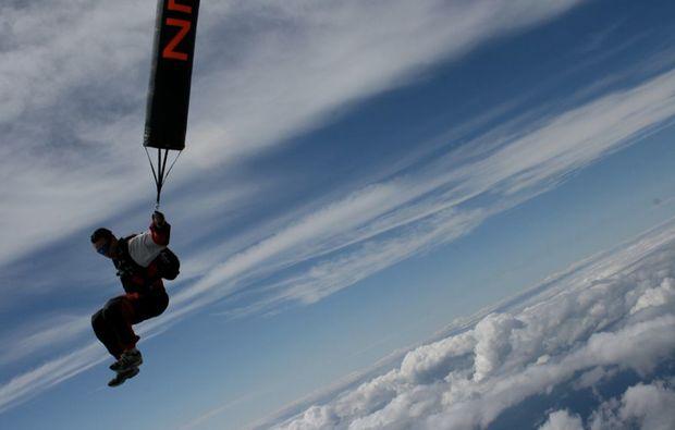 fallschirm-tandemsprung-niederoeblarn-fallen