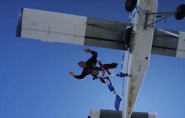 oesterreich-fallschirm-tandemsprung-niederoeblarn