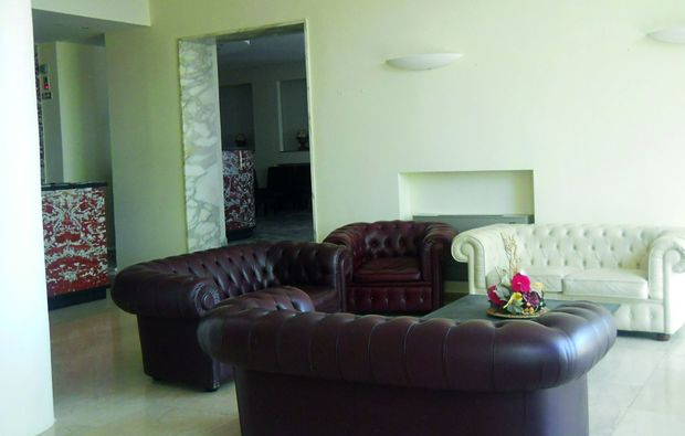 zauberhafte-unterkuenfte-chianciano-terme-sofa