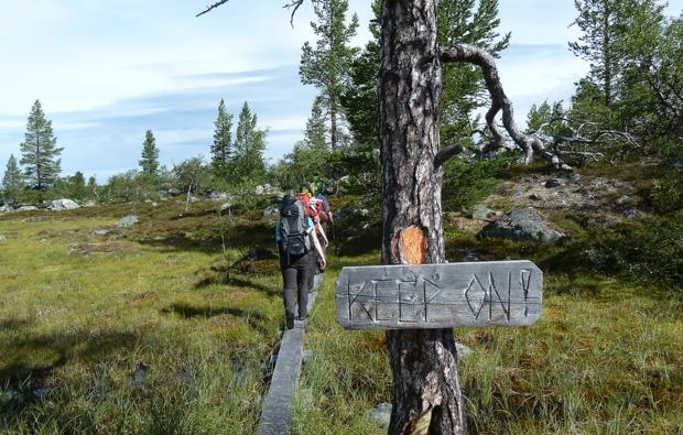 aktivurlaub-an-land-idre-rucksack-reise
