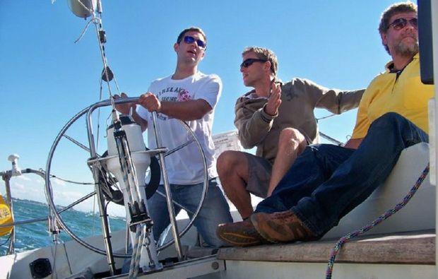 motorboot-fahren-kiel