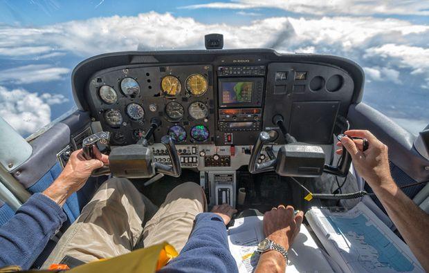 flugzeug-selber-fliegen-co-pilot-huenxe-instrumentenanflug