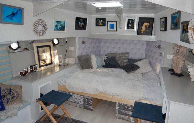 aussergewoehnlich-uebernachten-paal-hausboot1490362818