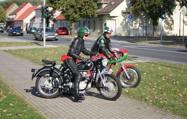 oldtimer-motorrad-fahren-berlin-trip