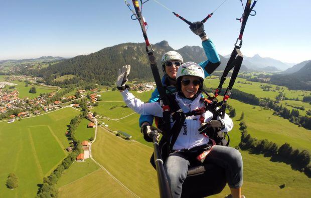 gleitschirm-tandemflug-landung-pfronten