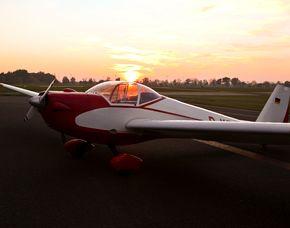 Motorsegler-Pärchen-Rundflug - 30 Minuten Pärchen-Rundflug im Sonnenaufgang oder Sonnenuntergang - 30 Minuten