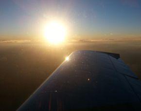 sonne-flugzeug-rundflug-friedrichshafen