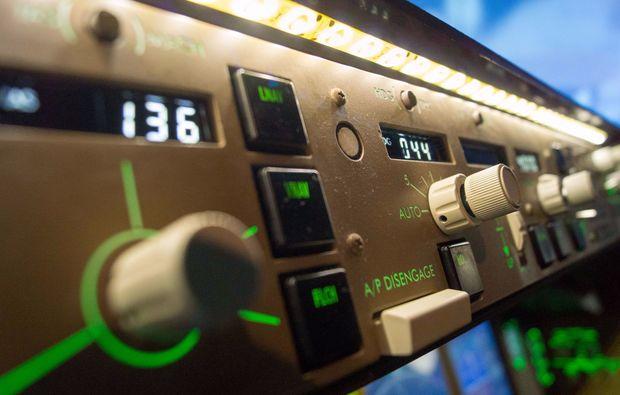 flugsimulator-zuerich-steuern