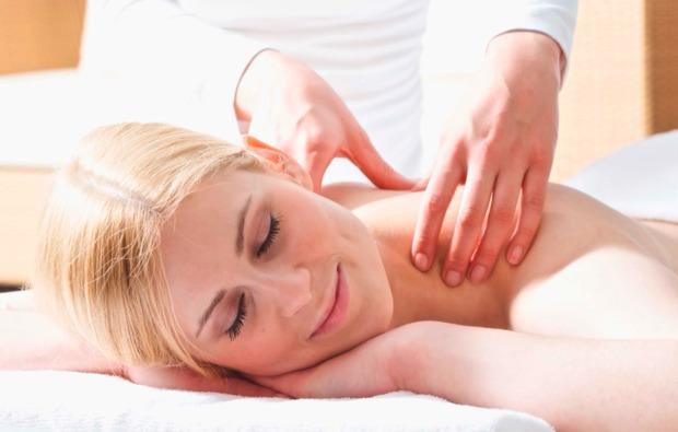 romantikwochenende-wengen-massage