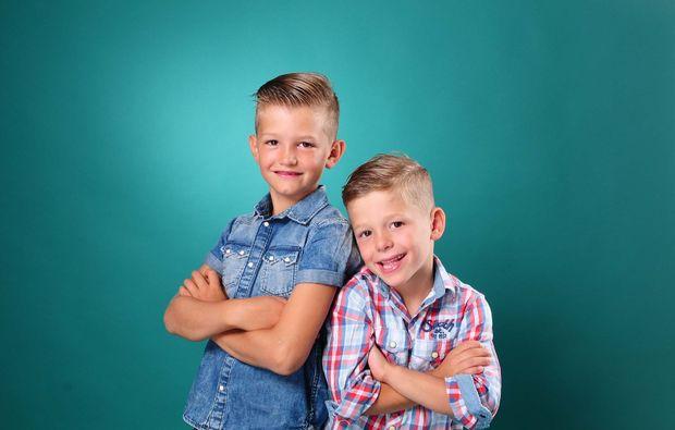 familien-fotoshooting-innsbruck-brueder