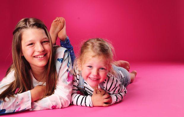 familien-fotoshooting-innsbruck-geschwister