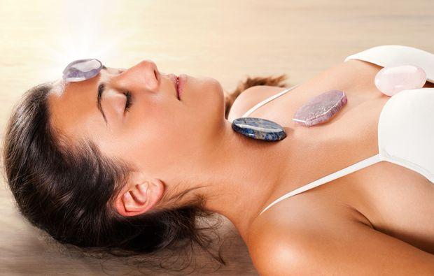 edelsteinmassage-eppelheim-rosenquarzmassage