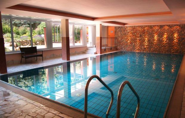 wellness-wochenende-essel-pool