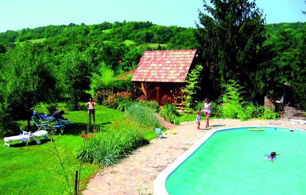 romantikwochenende-bonnya-pool