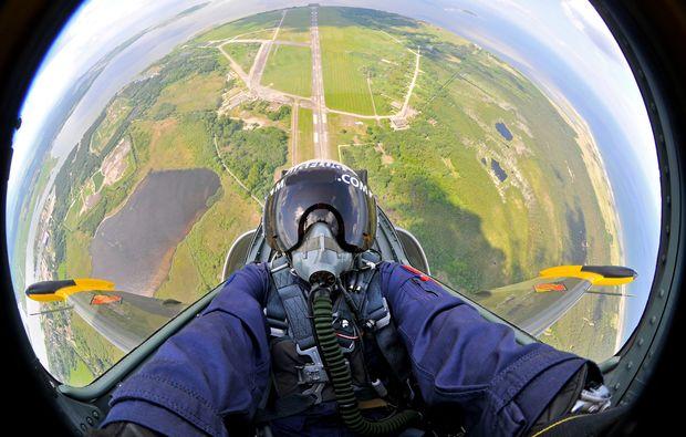 jet-fliegen-usa-pilot