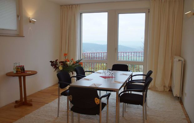 kurztrip-eisenberg-ortsteil-stauf-seminarraum