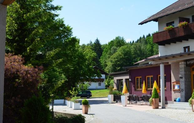 wellnesshotel-drachselsried-hotel-eingang