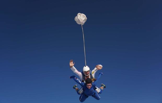 fallschirm-tandemsprung-winsen-aller-adrenalin