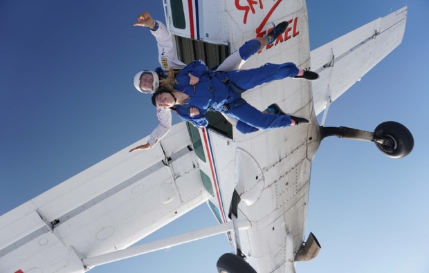 fallschirm-tandemsprung-winsen-aller-springen