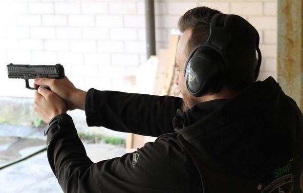 schiesstraining-pistole-bad-abbach-zielen