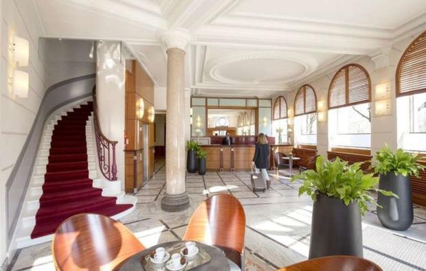 erlebnisreise-bordeaux-lobby