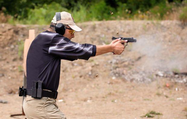 schiesstraining-pistole-koeln-sport