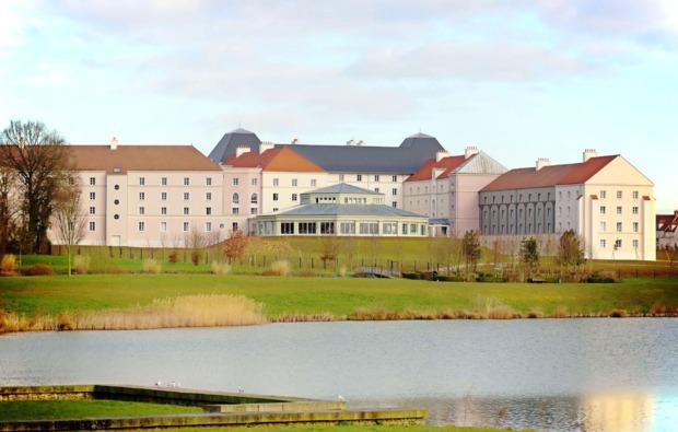 freizeitpark-disney-uebernachtung-paris-hotelanlage