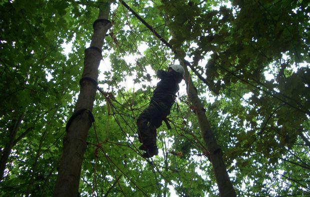 survival-training-schneppenbach-klettern