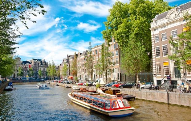 grachtenfahrt-erlebnisreise-amsterdam-fluss