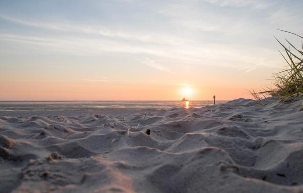 uebernachtung-cube-wangerland-sonnenuntergang